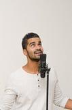 男性唱歌 免版税库存照片