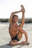 男性姿势瑜伽 免版税库存照片