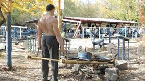 男性运动员练习举重 影视素材