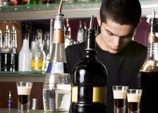 男服务员年轻人 免版税图库摄影