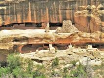 男管家洗涤Anasazi废墟 免版税库存图片