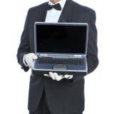 男管家膝上型计算机 免版税库存照片