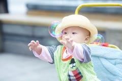 男婴儿童车覆盖illusytration星期日 库存照片