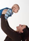 男婴母亲 库存照片