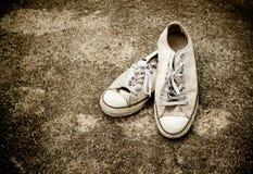 画布老鞋子 图库摄影