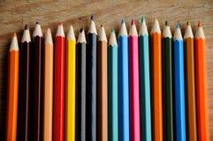 画的颜色铅笔在纸 免版税图库摄影