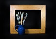 画笔倒空框架油漆 免版税库存照片