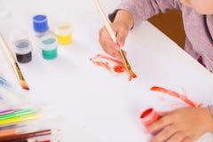 画笔女孩小的油漆 库存图片