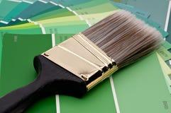 画笔绿色油漆范例 库存图片