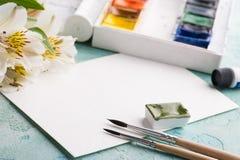 画笔,绿色水彩油漆 免版税库存图片
