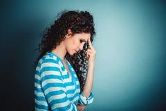 画象不快乐的被注重的哀伤的孤独的年轻女人的关闭 免版税库存照片