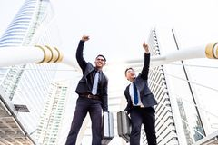 画象成功的商人 英俊的商人上升 免版税库存图片