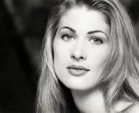 画象,特写,年轻人,性感的美丽的妇女长的金发的面孔 免版税库存照片