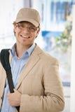 留下办公室年轻人的生意人 免版税库存照片