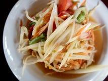 番木瓜沙拉泰国烹调辣可口: 库存照片