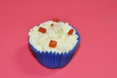 番石榴和乳酪杯形蛋糕 库存照片