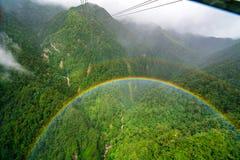 从番西邦峰缆车的双重彩虹 库存图片