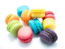 疏散的五颜六色的蛋白杏仁饼干 库存照片