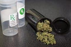 医疗大麻盖帽 图库摄影