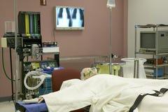 医疗操作训练室、X-射线和人体模型 库存图片