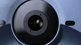 医疗机器审查的眼珠 在一个专业医疗设备屏幕上的眼睛检查测试 股票视频