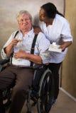 疗程在老人院 免版税库存图片