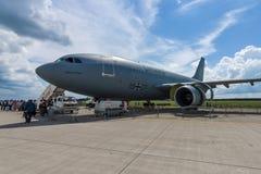 医疗航空器空中客车A310-304 MRTT救伤直升机(德国空军) 8月欧勒 免版税库存图片