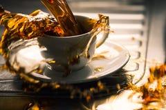 疯狂的咖啡飞溅 免版税库存照片