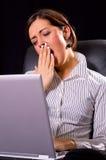 疲乏的妇女 免版税库存图片