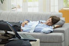 疲倦的生意人 免版税库存图片
