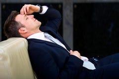 疲倦的生意人 免版税库存照片