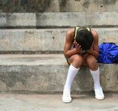 疲倦的男孩体育运动 免版税库存图片