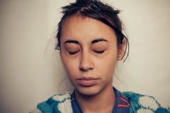 病的妇女的眼睛 库存照片