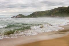 痣海滩在弗洛里亚诺波利斯,圣卡塔琳娜州,巴西 免版税图库摄影