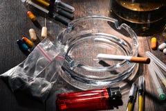 致瘾物质,包括酒精、香烟和药物 图库摄影