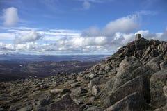 登上敏锐的山顶 Cairngorm山,阿伯丁郡,苏格兰 库存图片