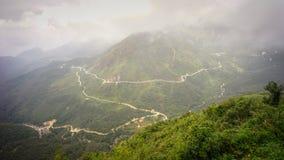 登上番西邦峰在西北越南 库存图片