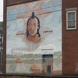 登上Gilead, NC 4月07日2018年:历史纪录艺术壁画印地安村庄 库存照片