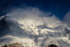 登上Sagro上面到云彩里 免版税库存图片