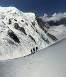 登山人在阿尔卑斯 库存图片