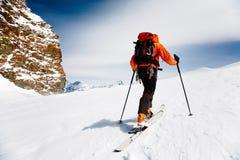 登山人滑雪 免版税库存照片