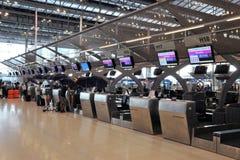 登记处柜台在曼谷Suvarnabhumi机场 免版税库存照片