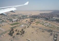登陆在开罗,埃及,机场 免版税库存图片