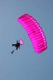登陆天空纵排的潜水员 免版税库存照片