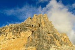 白云岩山岩石峭壁塔, Dolomiti di Brenta 免版税库存图片