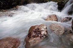 白云岩瀑布 库存图片