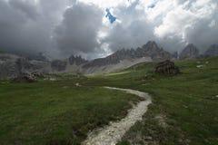 白云岩环境美化和在山的美丽的阳光,白云岩,Sudtirol,特伦托自治省女低音阿迪杰,意大利 免版税图库摄影