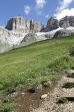 白云岩的山全景 库存照片