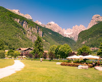 白云岩的看法,意大利阿尔卑斯 库存照片