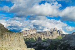 白云岩阿尔卑斯亚尔他通过1 免版税库存图片